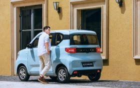 宏光MINI EV将于成都车展上市 预售价2.98万元起